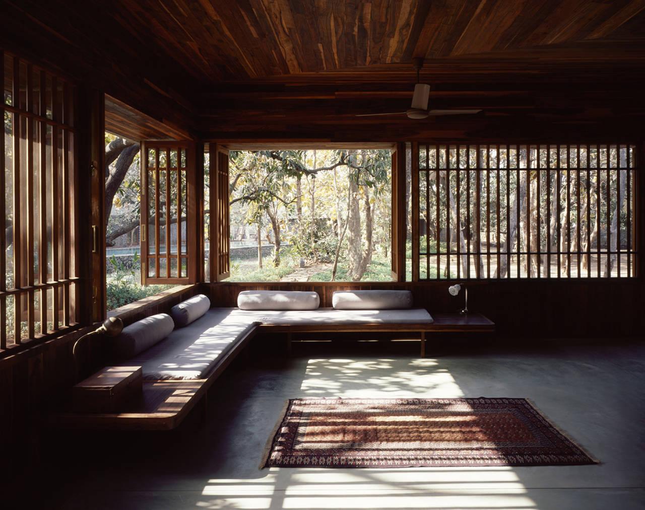 1334193203-ch2-29-living-room
