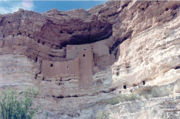 Montezumas_Castle